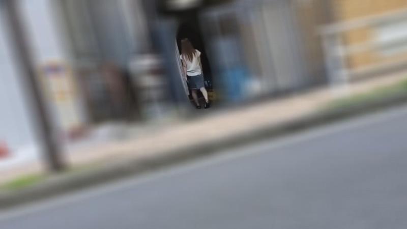 FC2 PPV 1426316 【個人】小柄な美尻の奥さんの自宅に押し入り玄関先で生膣を犯し中出し。
